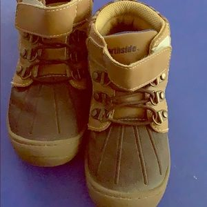 North size toddler boots size 11 brown/tan
